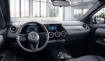 Mercedes-Benz GLA 200 Business Edition full